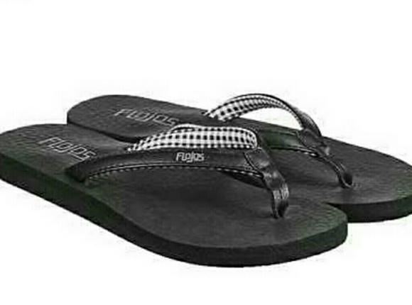 8f0f1a8d154 flojos Shoes - Flojos Flip Flops w  Gingham Plaid - Size 9